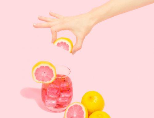 5 Formas creativas de hidratarte con fruta en verano